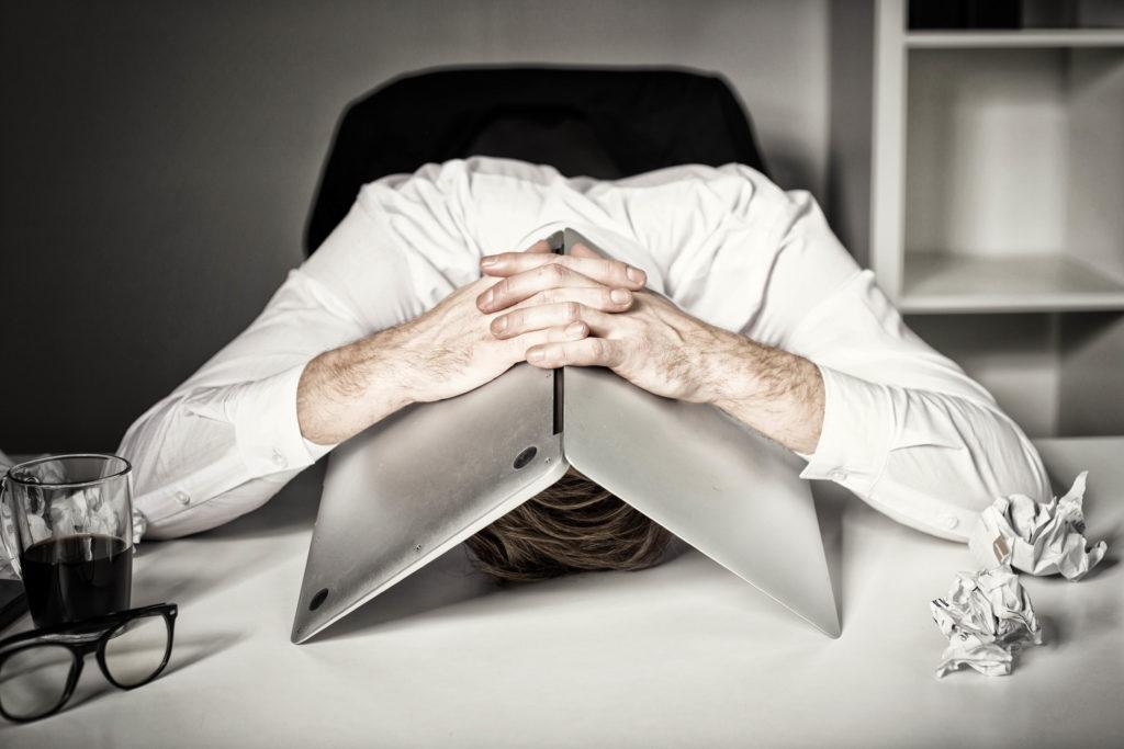 Arbejdsbyrde1 1024x683 - WHO: Ny definition af Burnout