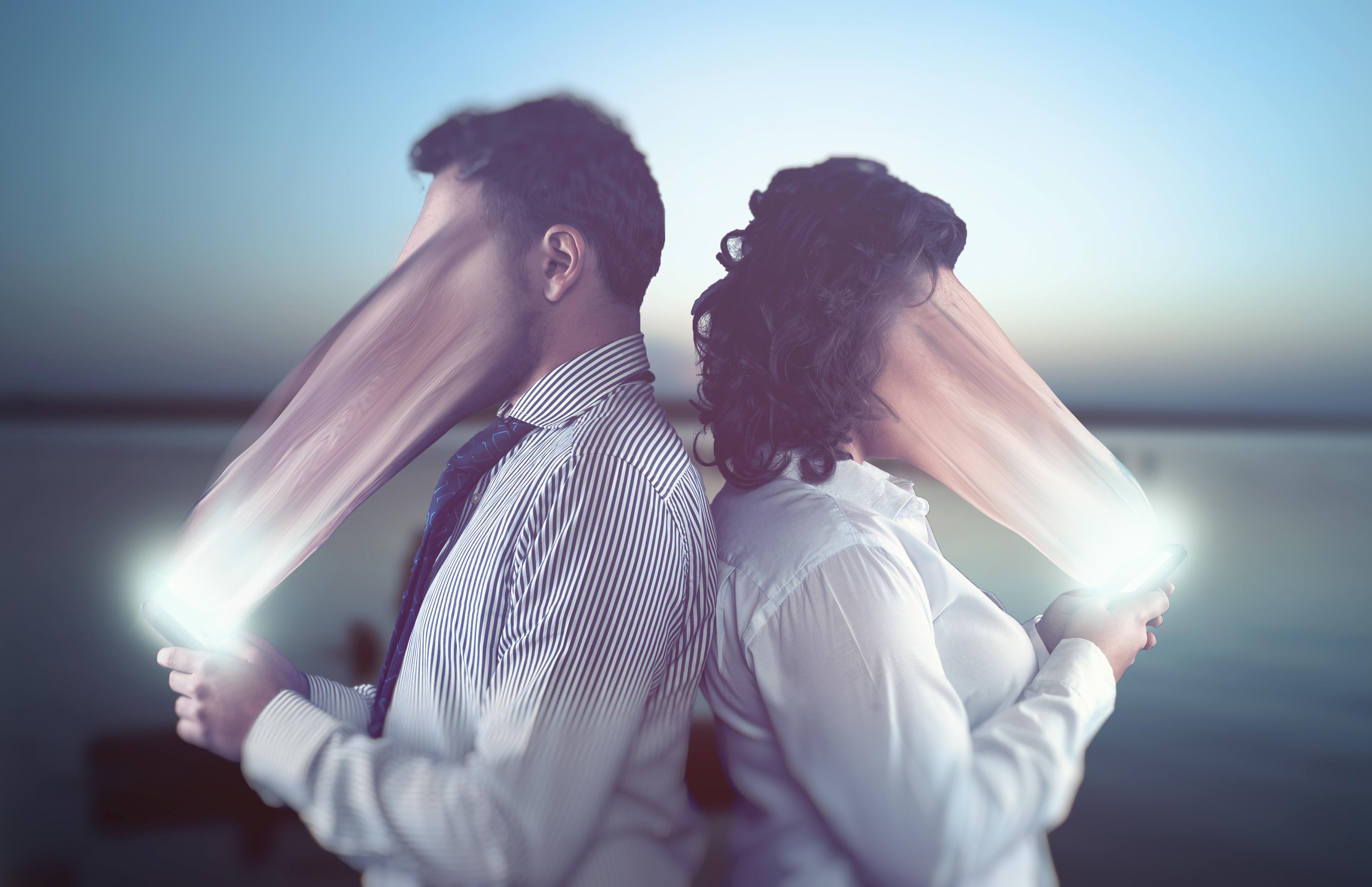 SoMe afhængighed - Ny undersøgelse:Stress kan gøre dig Facebook-afhængig